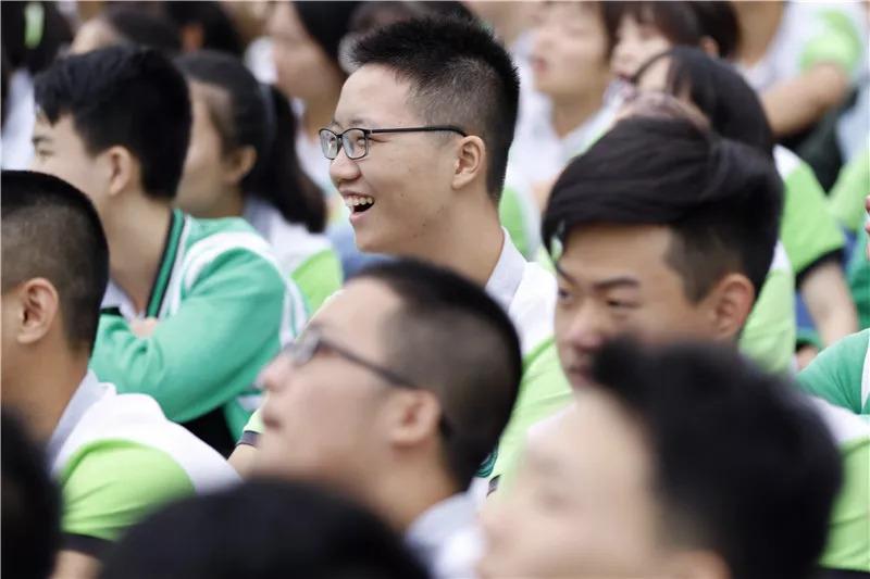 西充中学成功举行2019届高考动员大会