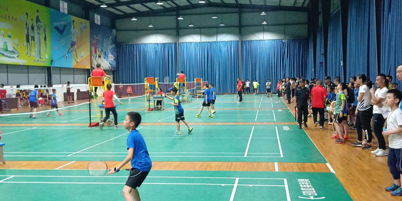 2019年南充市中小学羽毛球比赛在我校隆重举行