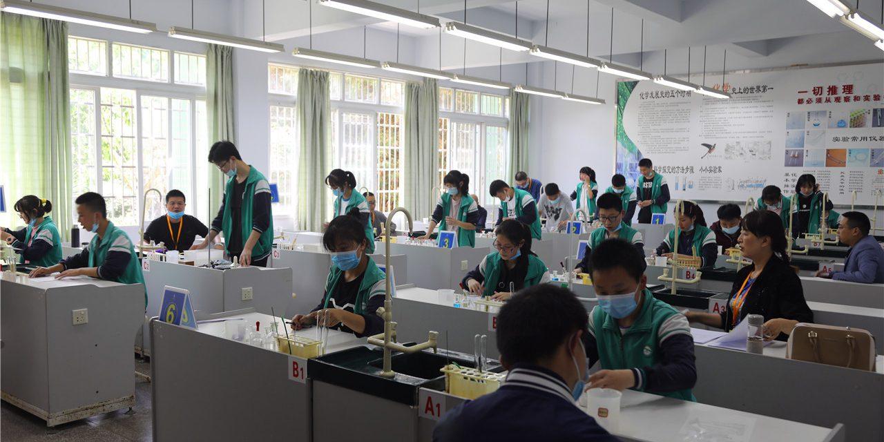 西充县2020年初中毕业升学体育与健康和实验操作技能考试工作在我校顺利举行