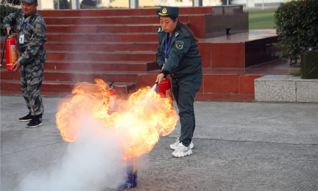 消防应急演练 保障生命安全